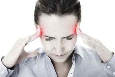 Причины развития мигрени и факторы, которые могут вызвать приступы возникновения боли