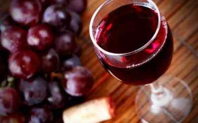 Какие причины головной боли после приема красного вина
