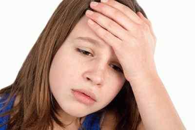 Головная боль у ребенка от 7 лет причины, проявления, лечение