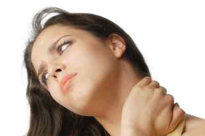 Болит голова в области шеи и увеличенные лимфатические узлы – причины и лечение