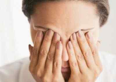 Сильные головные боли, приводящие к двоению в глазах