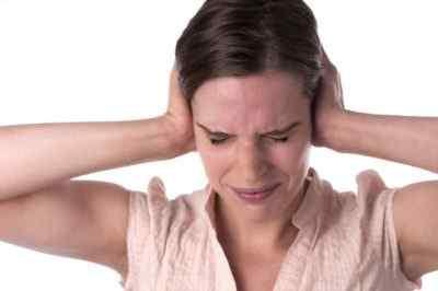 Основная причина боли в висках и области затылка болезнь Меньера