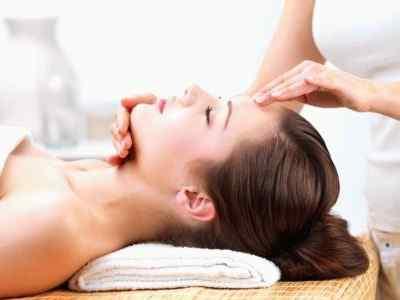 Массаж при головной боли, возникающий от напряжения