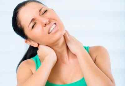 Болит шея и голова кружится – что это может быть