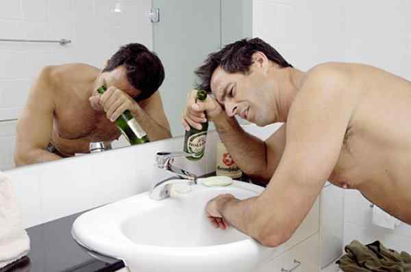 Почему болит голова на утро после пьянки