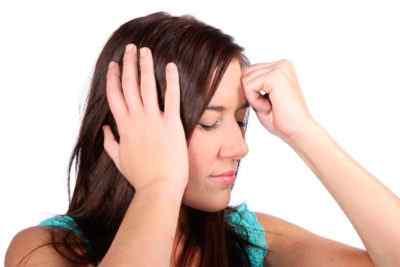 Когда болит затылок и виски – причины и что делать