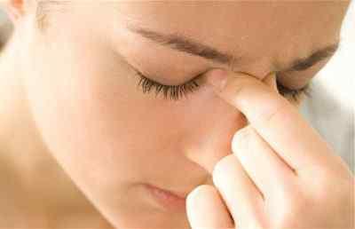 Головная боль при гайморите: почему возникает и как от нее избавиться