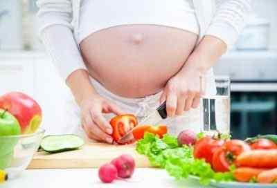 Очень важно отрегулировать питание при беременности