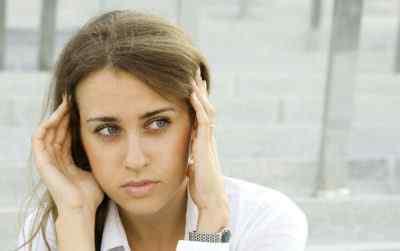 При наклоне головы вниз кружится голова: в чем причина и что делать