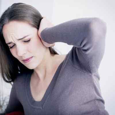 Основные причины неприятных ощущений в голове