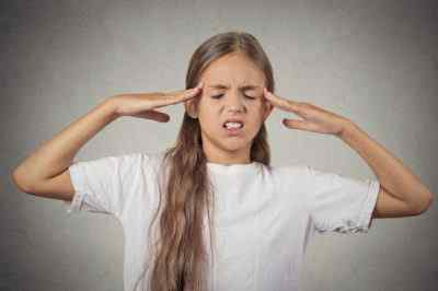 Почему болит голова у ребёнка