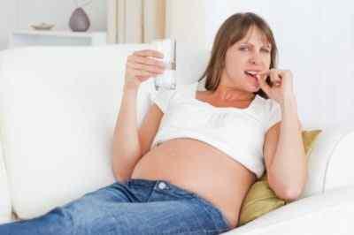 Головная боль и лекарства – риски при беременности
