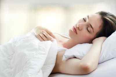 Ночью во сне болит голова. Причиной может быть апноэ сна (sleep apnea headache)