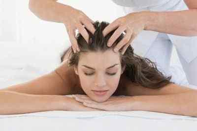 Болит кожа головы. Вам поможет массаж