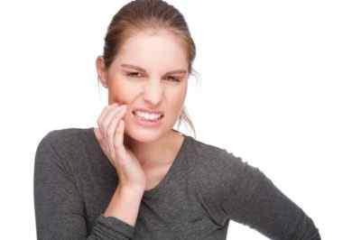 Может ли возникнуть головная боль от зуба
