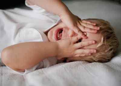 Почему часто болит голова у ребёнка - основные причины проблемы