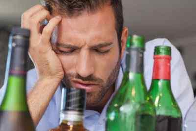 Что делать при головной боли после выпитого алкоголя