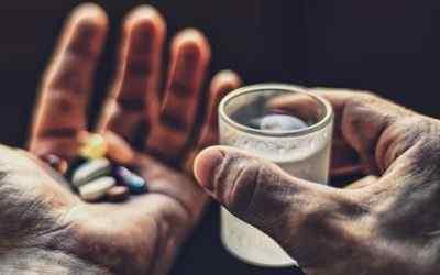 Чрезмерное использование (злоупотребление) обезболивающих препаратов (анальгетиков)