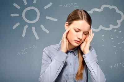 Каковы наиболее распространённые триггеры и симптомы мигрени