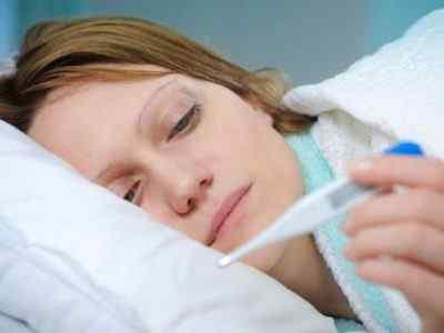 Почему необходимо «перележать» заболевание дома, не выходя с ним в люди