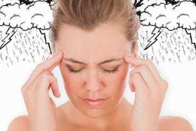Основные причины, почему болит голова при смене погоды