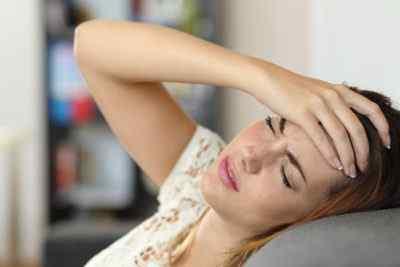Головные боли после работы, причины, способы лечения