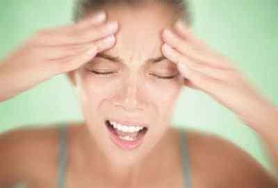 Помощь при мигрени - возникновение, неотложная помощь, гимнастика и народная медицина
